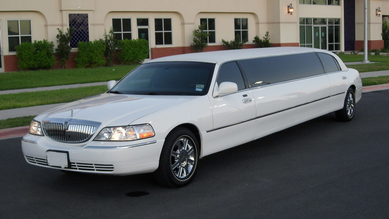 Banbury Lincoln Town Limo Hire